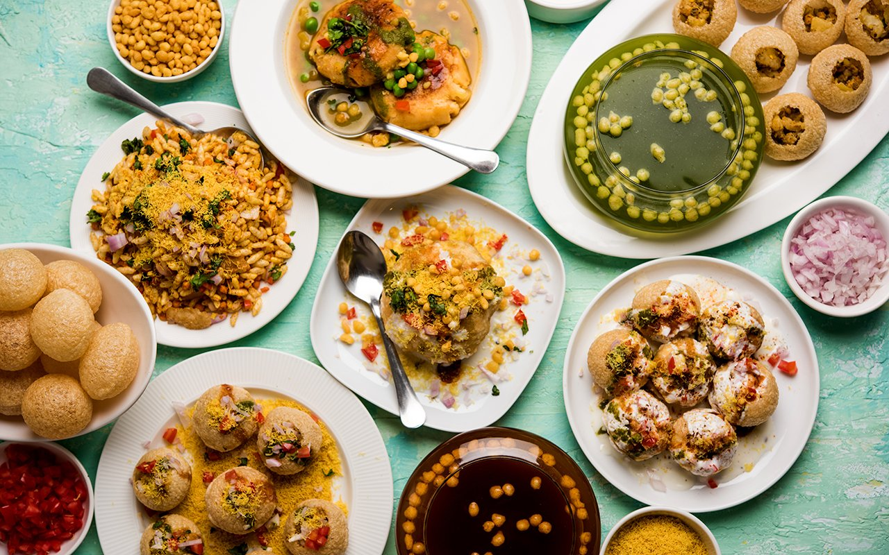 CHAAT LOVERS !!! HERE ARE THE TOP 5 CHAAT CORNERS  IN THE CITY